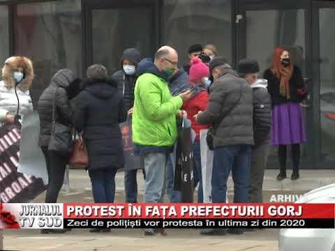 Protest in fata Prefecturii Gorj