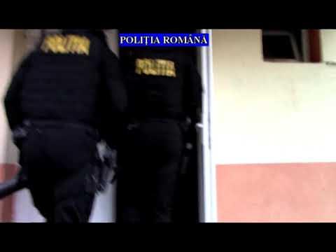 VIDEO-  PERCHEZIȚII LA PERSOANE BĂNUITE DE CONTRABANDĂ CU TUTUN